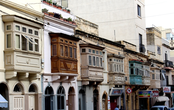 Sliema_balconies